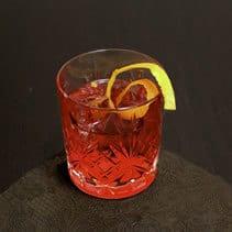 Negroni im Old Fashioned Glas / Tumbler