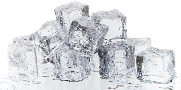Perfekte Eiswürfel für Gin-Drinks