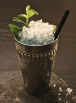 Gin Julep Cocktail mit Crushed-Ice