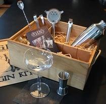 Cocktailset mit Shaker, Jigger und anderem Barzubehör